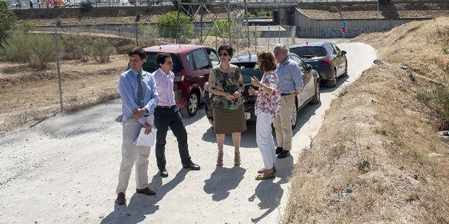 Una demanda vecinal consigue la mejora del acceso a la urbanización La Cabaña