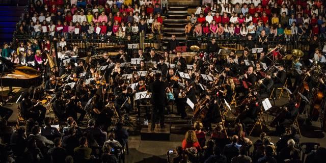 El concierto Pozuelo canta en Navidad reúne a 300 escolares