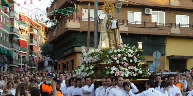 La Virgen del Carmen recorrió en andas las calles de La Estación