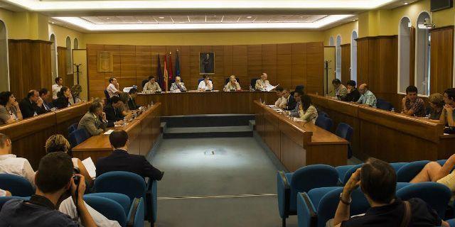 La retribución de Méndez Leite no se tratará en el Pleno