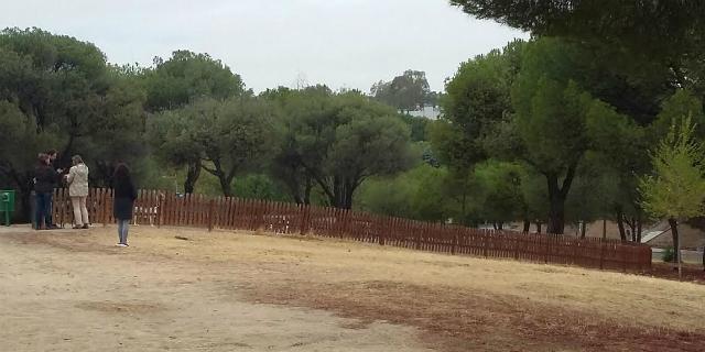 El PSOE pide más parques caninos en el municipio